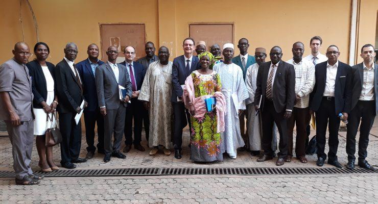 Visite du PDG de l'Institut de recherche pour le développement (IRD) à la Direction générale de l'Enseignement supérieur et de la Recherche scientifique (DGESRS)