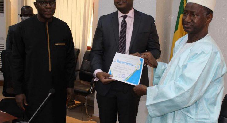 Remise d'une distinction au Pr Abdoulaye Salim Cissé par l'Association des Établissements Privés d'Enseignement Supérieur (AEPES)